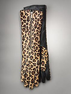 Leopard Gloves they are absolutely fabulous! Leopard Fashion, Animal Print Fashion, Fashion Prints, Vintage 1950s Dresses, Vintage Outfits, Vintage Clothing, Cheetah Print, Leopard Prints, Animal Prints