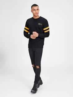 Slim fit sweatshirt | Made from comfortable cotton | Contrasted graphic design | The model is wearing a size L and is 187 cm tall  | JACK & JONES ORIGINALS | Get this sweatshirt if an on-trend look and a comfortable feel is your thing