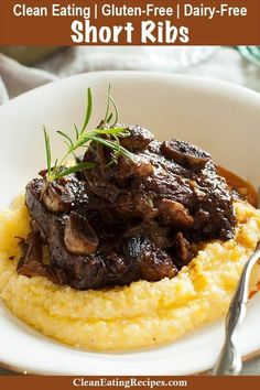 These bone-in beef short ribs are braised in the oven for hours and are so good and look so fancy, but they are so easy. It just takes about 15 minutes to get them started and then I let them cook for a few hours and my family and guests are impressed every time! {Paleo, Gluten-Free, Clean Eating, Keto, Dairy-Free} Garlic Recipes, Rib Recipes, Paleo Recipes, Cooking Recipes, Paleo Meals, Mexican Recipes, Easy Recipes, Chicken Recipes, Tilapia Recipes