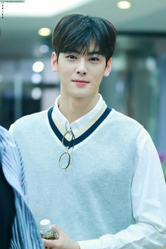 This poor boy is now one of the most famous celebrities in the world, but to get to where he is today he had to overcome struggles and heartbreak. Cha Eun Woo, Cha Eunwoo Astro, Lee Dong Min, Park Bo Gum, Park Min Young, Drame, Perfect Boyfriend, Sanha, Kpop