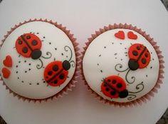 Lady Bug Cupcakes - perhaps add lavender polka dots? Ladybug Cakes, Ladybug Party, Bird Cakes, Baby Ladybug, Owl Cakes, Pretty Cupcakes, Beautiful Cupcakes, Fun Cupcakes, Snowman Cupcakes