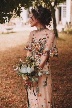 20 Non-Traditional Bridal Outfits That Wow If you are an offbeat bride and are looking for a special outfit for your big day, we've got some ideas for you, gals! Take a look at our roundup with . Vestidos Off Shoulders, Boho Wedding, Wedding Gowns, Unique Wedding Dress, Colored Wedding Dresses, Alternative Wedding Dresses, Nontraditional Wedding Dresses, Wedding Dresses Non Traditional, Traditional Outfits