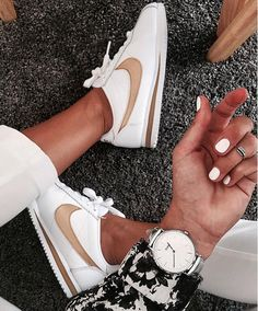 @anne.aubert Cortese Nike CLUSE silver metallic watch