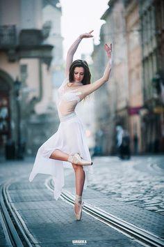 ballet dancer by Viktor Sarakula on Dance Picture Poses, Dance Photo Shoot, Dance Photos, Dance Pictures, Street Dance, Street Ballet, Dancers Pose, Ballet Dancers, Ballet Art