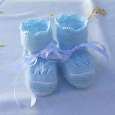 Baby Booties, Baby Shoes, Baby Knitting, Cute Babies, Cross Stitch, Color Celeste, Kids, Bonnets, Blog