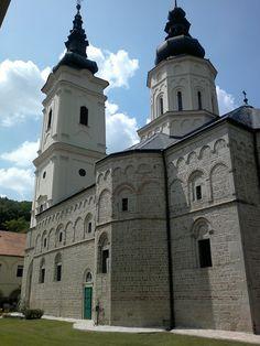 Manastir Jazak Fruška Gora, Verski objekti Fruška Gora