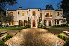 15 Utterly Luxurious Mediterranean Mansion Exterior Designs That Will Make Your Jaw Drop