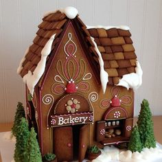 Ginger Bread House Ideas for add Christmas Decor make You Really want - Cool Gingerbread Houses, How To Make Gingerbread, Christmas Gingerbread House, Gingerbread Cookies, Christmas Goodies, Christmas Treats, Christmas Baking, Christmas Holidays, Cookie House