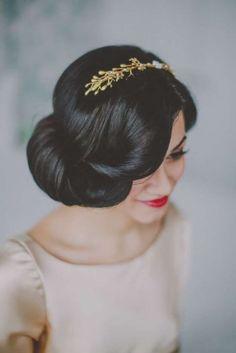 snow white inspired wedding hair