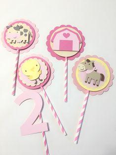 Granja rosa cumpleaños centro de mesa decoraciones de la Cowgirl Birthday, Farm Birthday, Birthday Parties, Ballerina Party, Farm Party, Best Part Of Me, All The Colors, Cake Toppers, Children