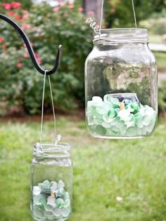 Create Glass Lanterns for the Backyard - Add pizzazz to a summer patio with hanging lanterns. Suspended from shepherds hooks, these easy, inexpensive candleholders will add sparkle to the garden by day and illuminate a pathway by night. Mason Jar Lanterns, Hanging Mason Jars, Hanging Lanterns, Glass Lanterns, Garden Lanterns, Dyi Lanterns, Jar Candle, Diy Hanging, Candle Holders