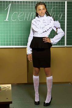 School Girl Dress, School Uniform Girls, Cute Girl Outfits, Junior Outfits, Cute Young Girl, Cute Girls, Preteen Girls Fashion, Kids Fashion, Nylons
