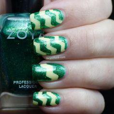 #ZoyaSpringChallenge zig zag mani featuring Zoya Nail Polish in Ivanka via Twitter @LucysStash
