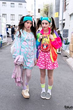 always spotted in Harajuku, sisters Yurika (left, 22 years old) & Mizuho (right, 20 years old) | 13 March 2014 |