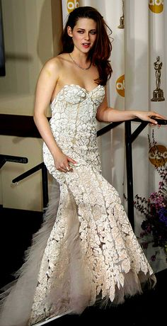 Kristen Stewart at the 85th Annual Academy Awards (Feb 2013)