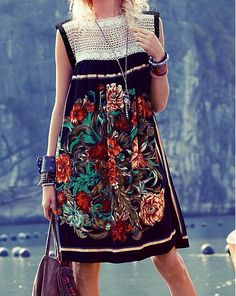 folklore print Mexican Fashion, Folk Fashion, Womens Fashion, Dress Codes, Traditional Dresses, Chic Outfits, Fitness Fashion, Beautiful Outfits, Vintage Dresses