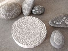 Staedtler MasterCarve rubber stamp carving block, Speedball linoleum cutter and my favorite ink pads Doilies Crafts, Lace Doilies, Pebble Painting, Stone Painting, Stamp Carving, Arts And Crafts, Paper Crafts, Handmade Stamps, Stamp Printing