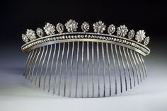 Peigne Empire en acier facetté. Cut steel French Empire hair comb tiara