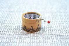 * Caja de música de Amelie y la Torre Eiffel, by esdemusica *