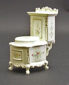 Buy Bathroom Furniture at Maple Street - Largest Dolls House Shop in Europe Fine Furniture, Unique Furniture, Bathroom Furniture, Furniture Design, Victorian Toilet, Victorian Bathroom, Rustic Bathrooms, Chic Bathrooms, Miniature Furniture