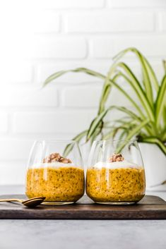 Want to include more veggies in your day? Then go for these sugar-free pumpkin pie overnight oats. Sugar Free Pumpkin Pie, Vegan Pumpkin Pie, Pumpkin Puree, Pumpkin Recipes, Vegan Yogurt, Coconut Yogurt, Overnight Oats, Pie Flavors, Cashew Milk