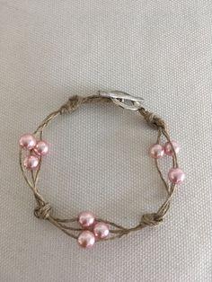 Élégant Bracelet femme  en lin et perles roses renaissance en verre