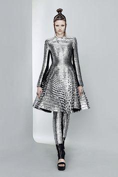silver clothes - Buscar con Google