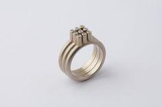 3x3 ring in witgoud met 9 diamanten