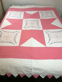 Sawtooth edge folds are worn. Hanging Crib, Lone Star Quilt, Patchwork Quilt Patterns, Embroidered Quilts, Pink And White Flowers, Hanging Flowers, Twin Quilt, Quilted Wall Hangings, Hand Quilting