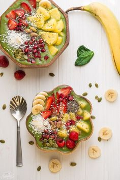 Green Goddess Detox Smoothie Bowl is the perfect healthy way to start your day! Pile on the toppings of your choice for a fun and easy breakfast!