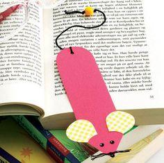 Bogmusen holder styr på bogormens læsning. Felt Bookmark, Bookmark Craft, Preschool Crafts, Fun Crafts, Paper Crafts, Bookmarks Diy Kids, Diy For Kids, Crafts For Kids, Diy Diwali Decorations
