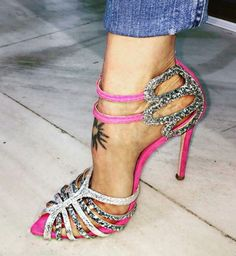 high heels – High Heels Daily Heels, stilettos and women's Shoes Fab Shoes, Pretty Shoes, Dream Shoes, Beautiful Shoes, Cute Shoes, Me Too Shoes, Zapatos Shoes, Shoes Heels, Heeled Boots