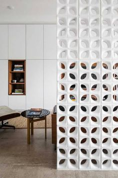 Apt Affinity by Marcela Madureira Ceiling Design, Wall Design, Glass Partition Designs, Breeze Block Wall, Room Paint, Contemporary Interior, Modern Wall, Interiores Design, Decoration