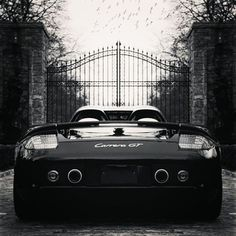 Porsche Carrera GT, Mansion Gates