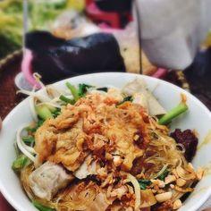 Vietnam street food Vietnam - vermicelli mix - Miến trộn