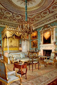 : Queen Victoria& Bedroom at Woburn Abbey, Bedfordshire, England.