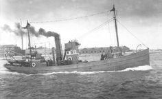 World War 1 at Sea - Royal Navy Nautical Art, Small Boats, Royal Navy, War Machine, Battleship, Wwi, Fishing Boats, Sailing Ships, The Past