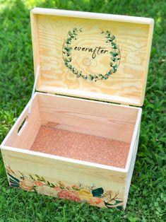 Weddingbox 💍  Handgemacht Erinnerungskisten aus Kiefer zur Aufbewahrung all der schönen Erinnerungstücke - Mutterpass, Ultraschallbilder, 1. Body etc. ⠀ ⠀ Gerne fertige ich dir auch eine Kiste mit deinem persönlichem Wunschdesign an. ⠀ Die individuelle Erinnerungskiste ist auch ein wunderbares Geschenk zur Geburt, Taufe, Geburtstag oder Weihnachten. ⠀ ⠀ #tritriwoodprints #erinnerungskiste #erinnerungskistefürsbaby #aufbewahrungskiste Kiefer, Hope Chest, Storage Chest, Toys, Decor, Christmas, Creative Gifts, Memories, Birthday