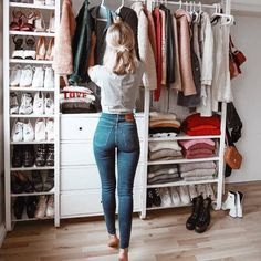 Best Closet Organisation Ideen, die Sie sofort stehlen möchten Best Closet Organization Ideas that you want to steal instantly like – Closet Bedroom, Closet Space, Bedroom Decor, Bedroom Storage, Wardrobe Storage, No Closet, Open Wardrobe, Capsule Wardrobe, Closet Storage
