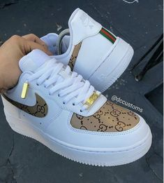 20 Shoes shoes High Heels For College - - Stylische schuhe - Sapatos Jordan Shoes Girls, Girls Shoes, Shoes Women, Souliers Nike, Nike Shoes Air Force, Cute Sneakers, Women's Sneakers, Sneakers Style, Air Jordan Sneakers