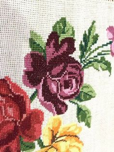 Leaf Tattoos, Embroidery Stitches, Dish Towels, Weather, Needlepoint, Punto De Cruz, Dots, Needlepoint Stitches, Embroidery