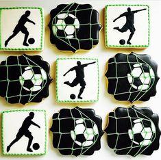 Sugar Cookie Icing, Royal Icing Cookies, Cupcake Cookies, Cupcakes, Sugar Cookies, Soccer Cookies, Soccer Cake, Soccer Party, Soccer Birthday Cakes