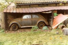 Amazing barnfind KdF Wagen. Vw Pickup, Kdf Wagen, Bug Car, Vw Vintage, Bugs, Rusty Cars, Abandoned Cars, Volkswagen Bus, First Car