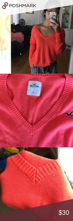 Cute Hollister v neck sweater price firm Excellent condition Hollister Sweaters V-Necks