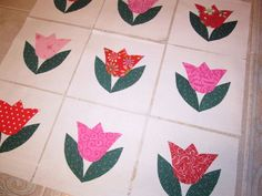 """Set of 9 Mixed Reds & Pinks Tulips  Applique Quilt  6"""" x 6"""" Blocks   #Unbranded"""