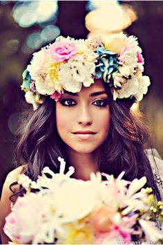 this is gorgeous!! i think her flower wreath is to big but i do love the picture idea