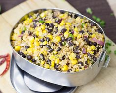 High Protein Black Bean and Corn Summer Salad. Simple recipe ready in just 10 minutes, bursting with summery flavours, protein, fiber and iron. High Protein Salads, High Protein Vegetarian Recipes, Vegan Recipes, Cooking Recipes, Vegetarian Meals, Meatless Recipes, Protein Foods, Protein Bars, Quick Recipes