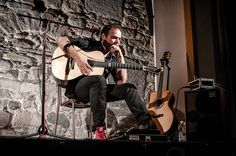 Concerto di Chitarra Acustica Fingerstyle al festival un paese a sei corde photo di Roberto Aquari