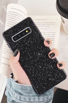 Samsung Phones - Turn Into A Mobile Phone Expert By Using These Tips! Samsung Cases, Samsung Galaxy S9, Galaxy Phone, New Mobile Phones, New Phones, Capas Samsung, Phone Companies, Ipad, Usb