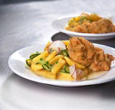 Gurken-Kartoffel-Salat mit Kräuterschnitzel - [ESSEN UND TRINKEN]